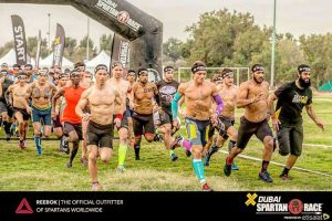 Start beim Spartan Race Abu Dhabi
